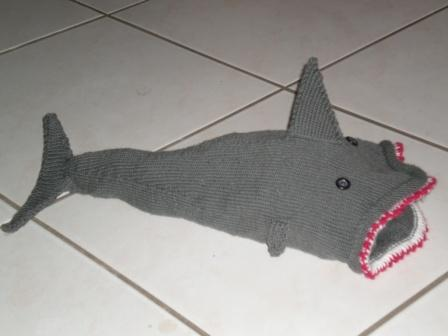 Bloody teeth shark cap